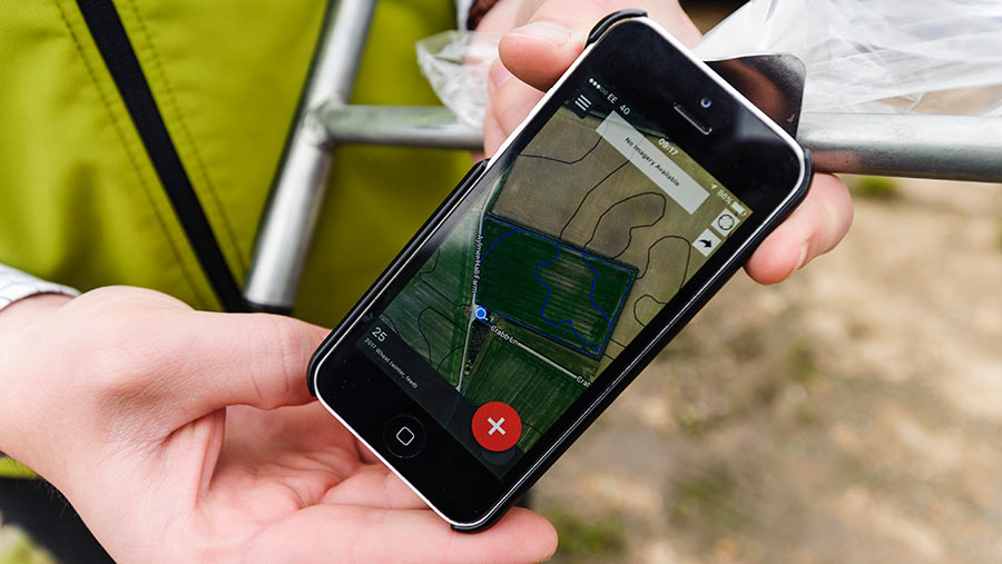 Using a smart phone to map soil types in field