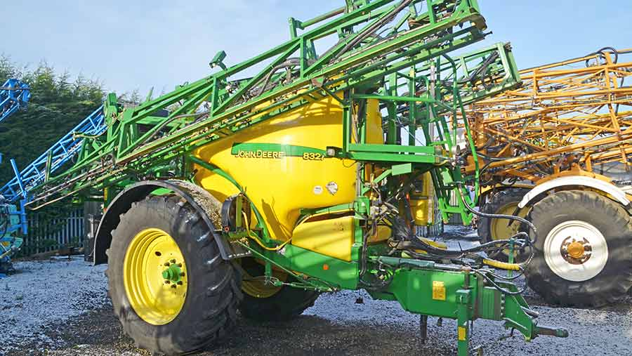 John Deere trailed sprayer