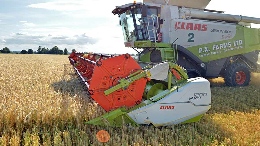 Harvesting barley © David Jones/RBI
