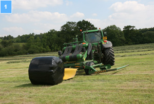 Dispatching bales from the wrapper