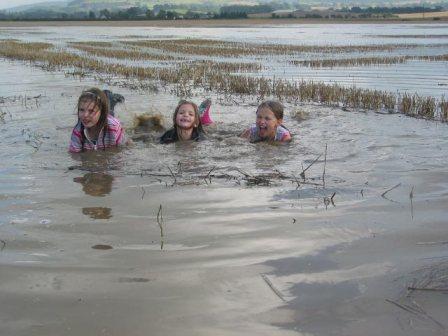 kids in floods eas