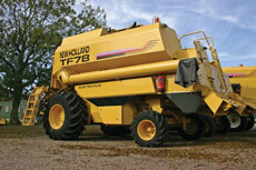 New-Holland-TF-combine