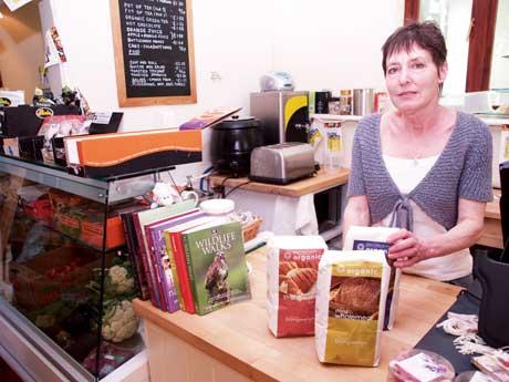 Elizabeth-Hedges-in-farm-shop-1