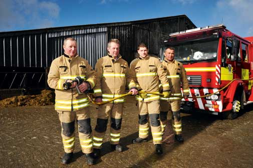 Firemen-farmers-with-hose