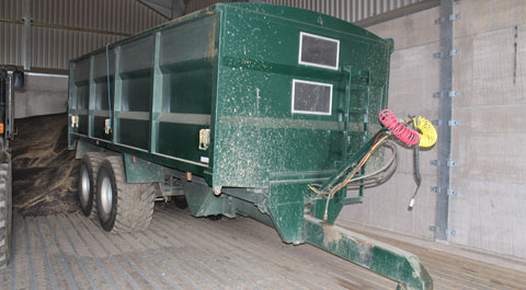 Titan grain trailer
