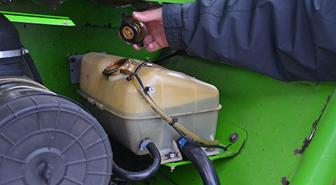 Merlo oil tank