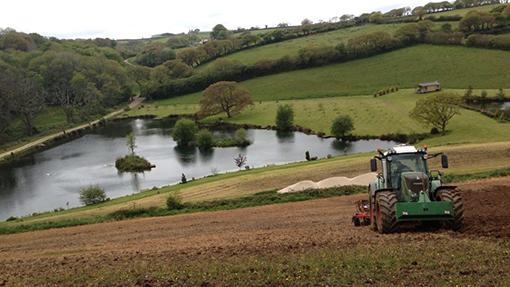 Fendt ploughing
