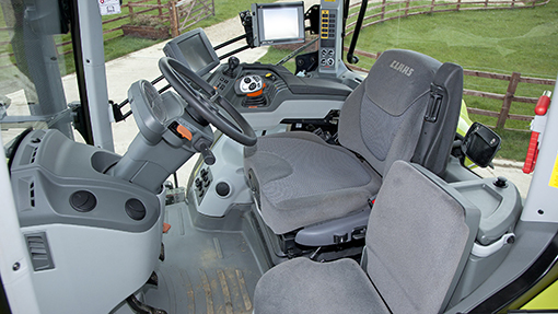2014 Claas Axion 850 interior