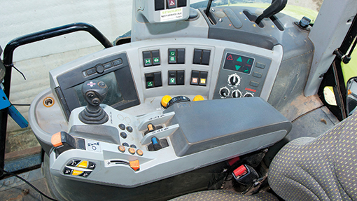 2011 Claas Axion 850 console