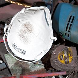 B&Q Disposable dust masks