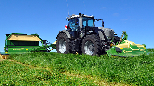 Fendt 939 and Krone B1000 mowers
