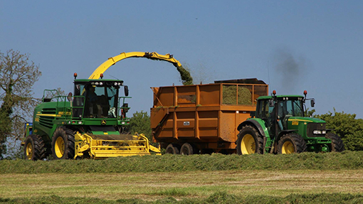 John Deere 6920 and 7450 forager