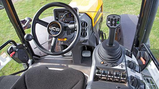 JCB Fastrac cab