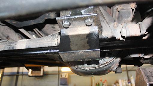 LR Defender oil leak