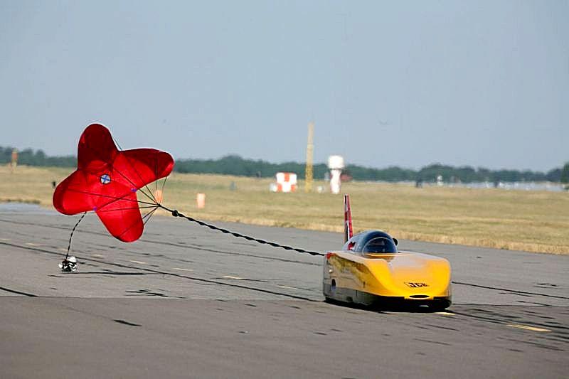 JCB DieselMax Parachute